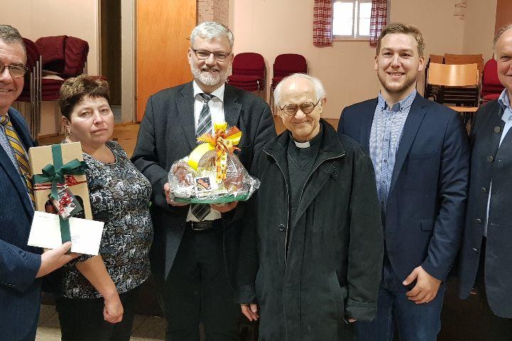 Deininger Pfarrer wurde 60