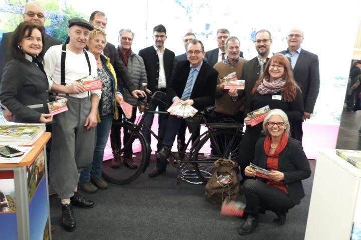 Auf dem Fahrrad oder in Wanderstiefeln unterwegs zwischen Fränkischem Seenland und Bayerischem Jura