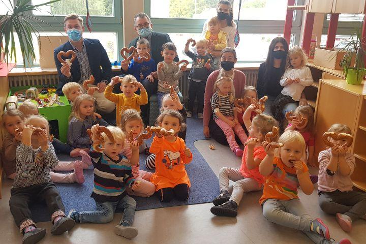 Herzbrezen im Deininger Kindergarten
