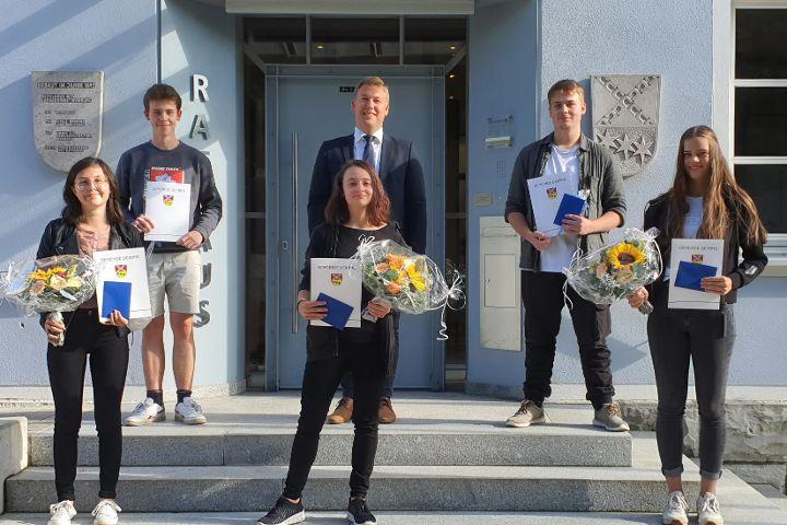 Erfolgreiche Schulabsolventen geehrt